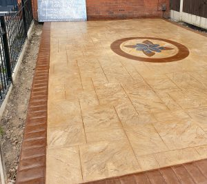 Pattern Imprinted Driveway Wigan with Centre Feature