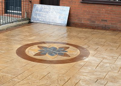 Pattern Imprinted Driveway Wigan with Centre Feature 5